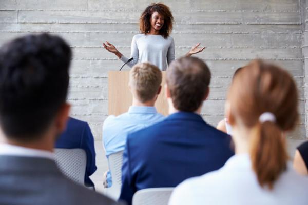 Como elaborar um discurso de vendas – tudo o que você precisa saber