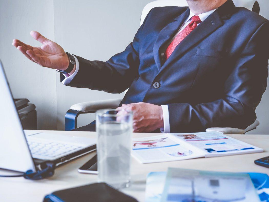 Entenda a diferença entre ser um bom líder e ser um chefe
