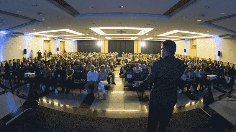palestra motivacional com claudio tomanini