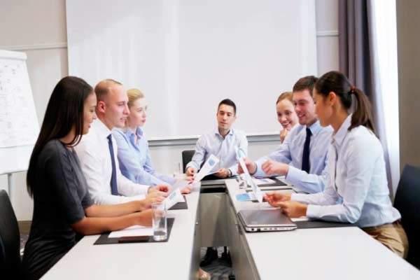 como liderar pessoas desmotivadas
